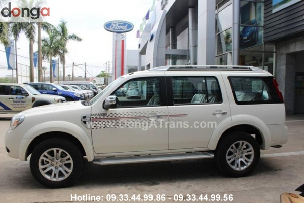 thue-xe-7-cho-ford-everest